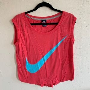 Nike Signal Logo Scoop Neck T Shirt Size Medium